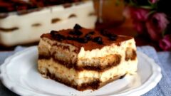 10 Dakikada 10 Katlı Pasta Tarifi