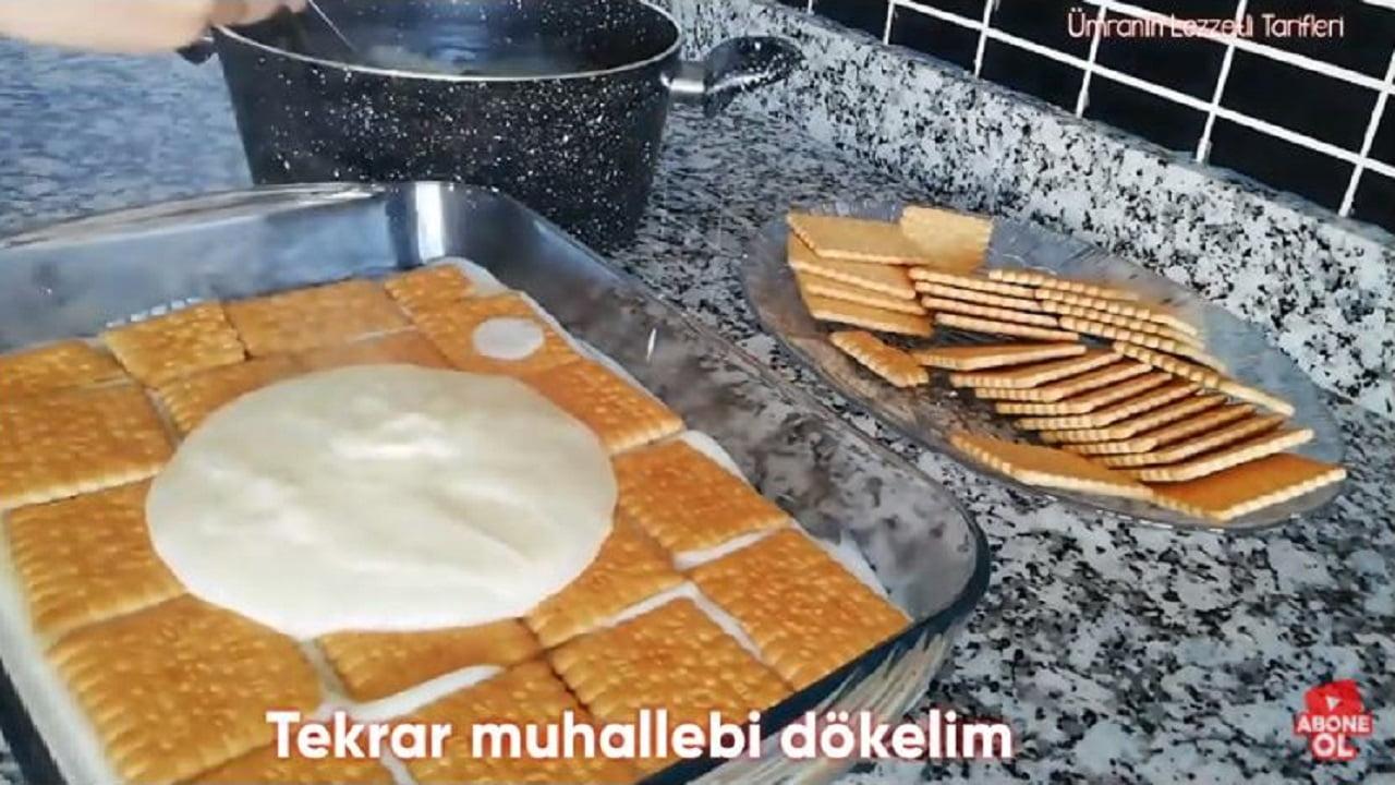 Dünyanın En Kolay Tatlısı Diyeceğiniz Bisküvili Pasta 2